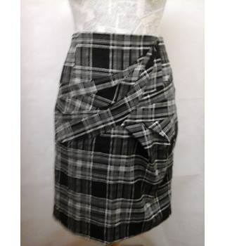BNWT NEW Warehouse - Size: 12 - black & white lined, check print skirt