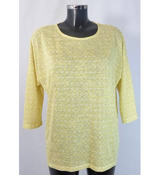 BNWOT M&S Top - Yellow - Size 16 M&S Marks & Spencer - Size: 16 - Yellow