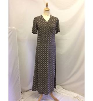 Jaeger - Size 8 - grey//khaki/brown - patterned full length tea dress Jaeger - Grey - Full length dress