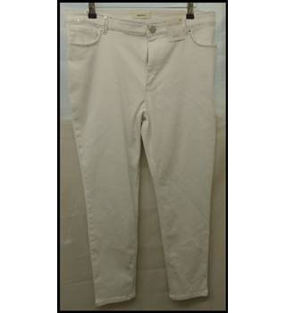 "M&S Marks & Spencer - Size: 34"" - White - Jeggings / stretch jeans"