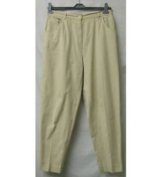 Lyle & Scott - Size: 18 - Yellowish Ivory - Trousers