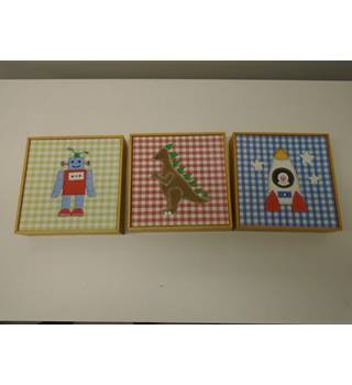 set of 3 pictures for bedroom (L2)