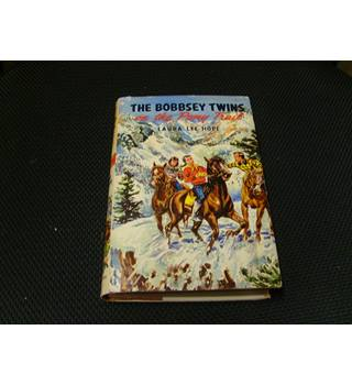 The Bobbsey Twins on the Pony Trail by Laura Lee Hope hardback 2nd imp publ 1959 unclipped dustjacket