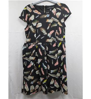Mela London size 10 Black with Feather Print Dress