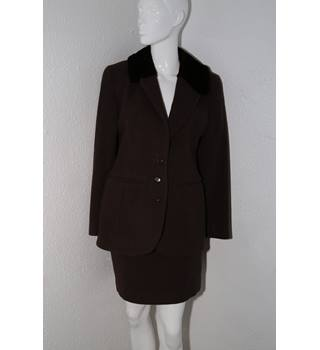 Marilyn Anselm design for Hobbs - Smart Chocolate Brown Wool Fitted Jacket & Skirt Suit - Size 12