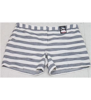 NWOT M&S  Size: 22  White  Striped  shorts