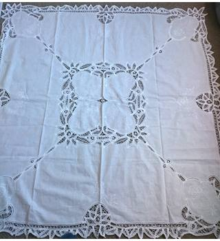 Vintage Look Modern Tablecloth in Battenburg Lace Machine Made - White