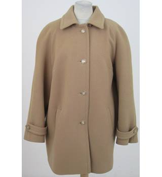 Vintage David Barry Size:16 camel-coloured 3/4 coat