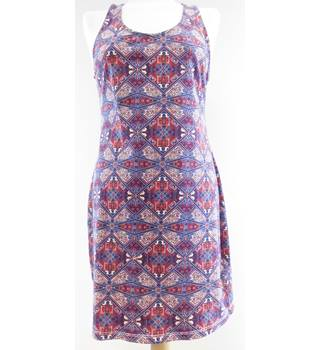 New Look - Size 14 - Maroon/beige geometric pattern sleevedress