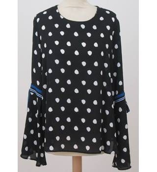NWOT M&S - Size: 12 - Black & White Polka Dot Top