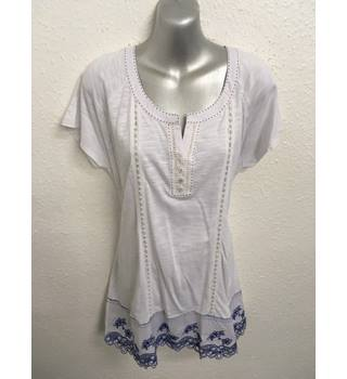 BNWT Laura Ashley Top Laura Ashley - Size: 16 - White