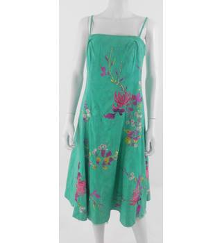Teatro size 12 Emerald Green Embellished Floral Pattern Dress