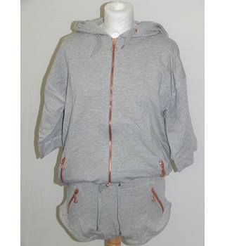 BNWT RXTR size S Branded Grey Hoodie and Grey Hot Pants both with Bronze Zip Detailing Gym Outfit