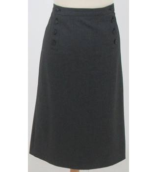 Aquascutum - Size: 14 - Grey Skirt, buttons on front
