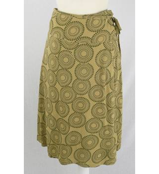 Giggle - Size: 12 - Mustard Yellow - Wrap-over Skirt