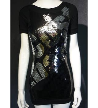 Cost:bart - Size: 12 - 13 Years - Black - T-Shirt with sequins.