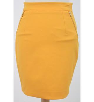 H&M - Size: 6 Orange Skirt with gold zips