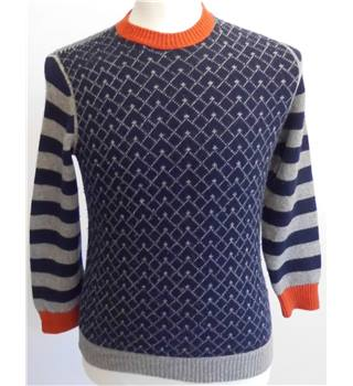 Hugo Boss Size 12 Years/XXL Navy with Grey Pattern and Stripes Knitted Jumper