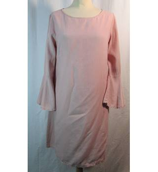 Via Signorina - Size: S - Blush Pink - Unworn Knee length dress