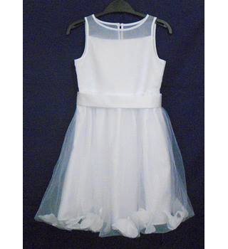 BNWOT M&S white bridesmai'ds dress Age 6-7