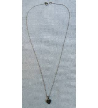 Silver chain with Tiger Eye heart shaped pendant Unbranded - Size: Medium - Metallics - Chain
