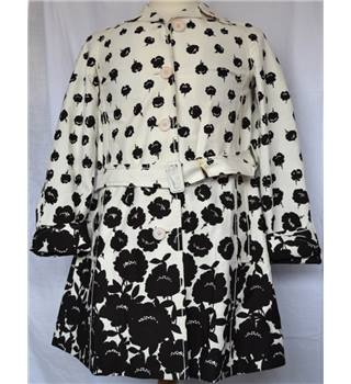 Paul Smith Size: S White / Black Floral Coat