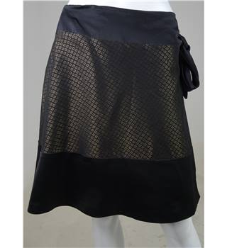 Reiss Size 14 Black with Metallic Gold Diamond Pattern Wrap Around Mini Skirt