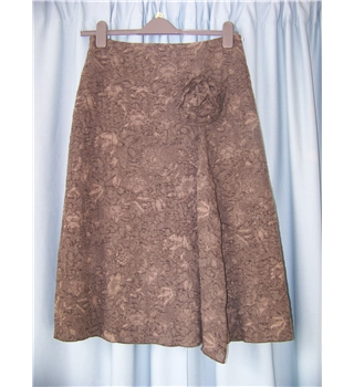 FSR Collection - Size: 8 - brown with flower detail knee length skirt