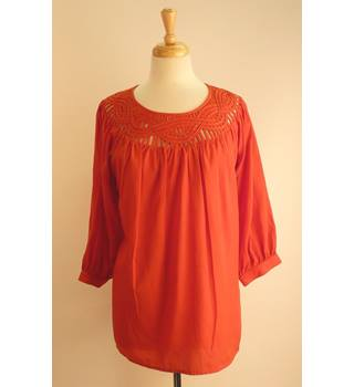 Dorothy Perkins Red Top Size 14 Dorothy Perkins - Size: 14 - Red - Blouse