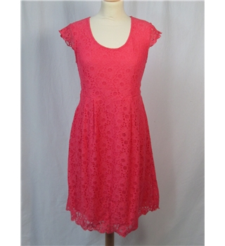 Mama-licious size: 8/10 geranium pink lace knee length dress