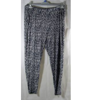 M&S Collection - Ladies Trousers - Size: 14 - Blue | White Dot Pattern