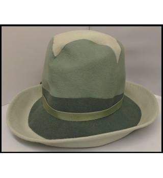 Unbranded - Size: M - Green - Trilby