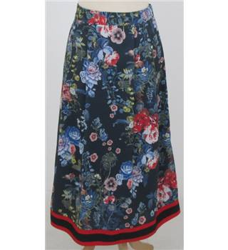 M&S: Size 10: Navy floral skirt