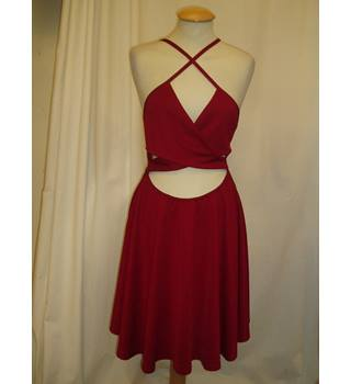 BNWT Boo Hoo Night  Size 10 Deep red short dress with bare midriff and skater skirt