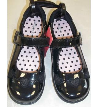 NWOT M&S School, size 12/30.5 black coated patent leather Mary Janes