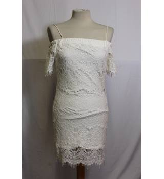 BNWT Topshop cream lace bardot dress 8 Topshop - Size: 8 - Cream / ivory - Tube