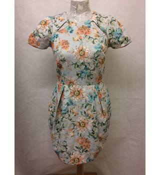 TRENDY river island floral pattern zip back dress size 8