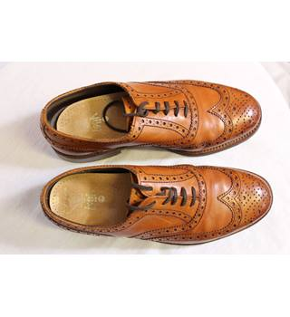 Grenson 'Albert' tan brogues size 8.5 RRP £250 Grenson - Size: 8.5 - Brown - Brogue