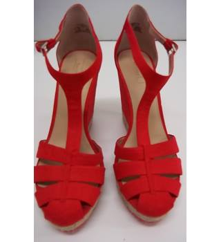 New Without Tags Bershka- Size: 7 - Red -Platform shoes