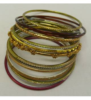 "Unbranded - Size: Small (all 3"" diameter) - Multi-coloured - Ladies' Bracelets"