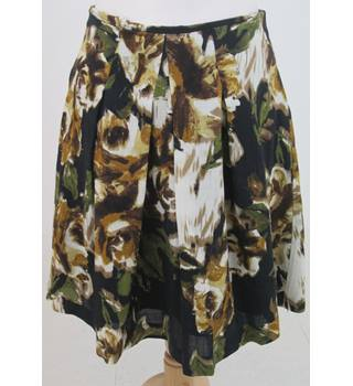 Hobbs - Size: 12 - Brown Floral Pleat Skirt