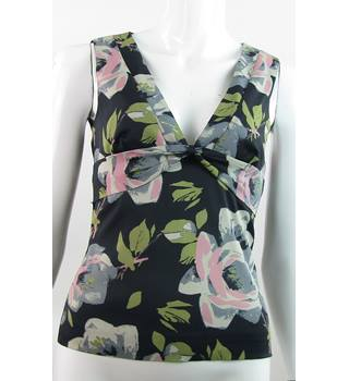 Karen Millen - Size: 10 - Black With Rose & Leaves Print - Sleeveless Top
