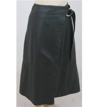 NWOT M&S Marks & Spencer size: 6 olive green leather skirt