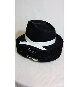 35 Trilby style hats-perfect fancy dress/hen party/dance troup accessories Unbranded - Size: One size - Black - Trilby