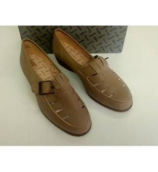 LADIES COMFITTS TAN LEATHER SHOES SIZE 5UK COMFITTS - Size: 5 - Beige - Heeled shoes