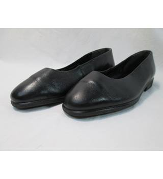 Ecco - Size: 4 - Black Slip On - Flat shoes