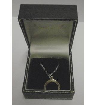 Stirling Silver chain with gold plated open circle pendant Ernest Jones - Size: Small - Metallics - Pendant