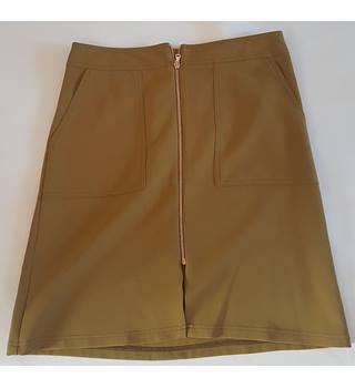 TU Size: 12 Green Knee length skirt