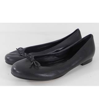 L.K.Bennett Size: 3.5 Black Flat Pumps with Bow Detail