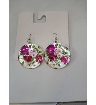 Rose Shell Earrings Unbranded - Size: Medium - Pink